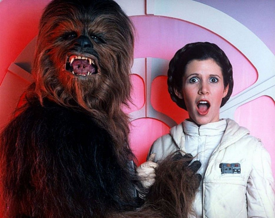 boob-grab-star-wars-carrie-fisher-Chewbacca-princess-leia-hd-934x.jpg